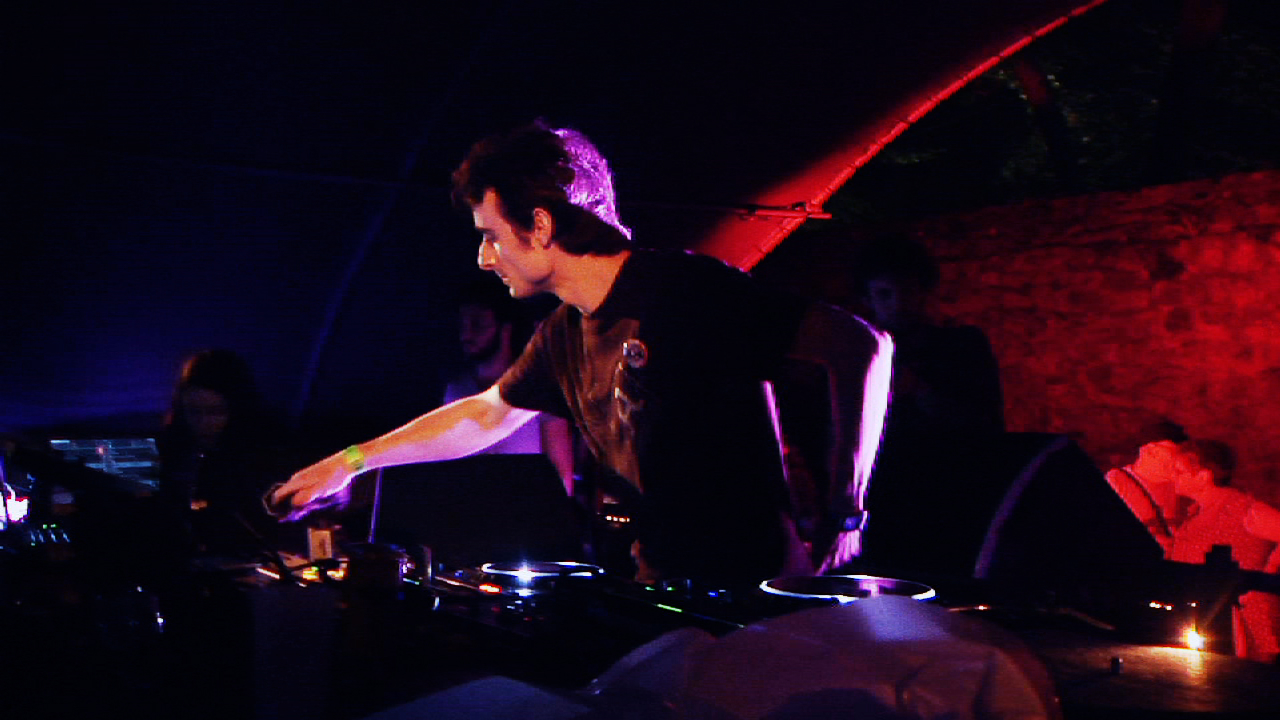 Image Madben - We Want To Rave On - Live (Astropolis 2012)