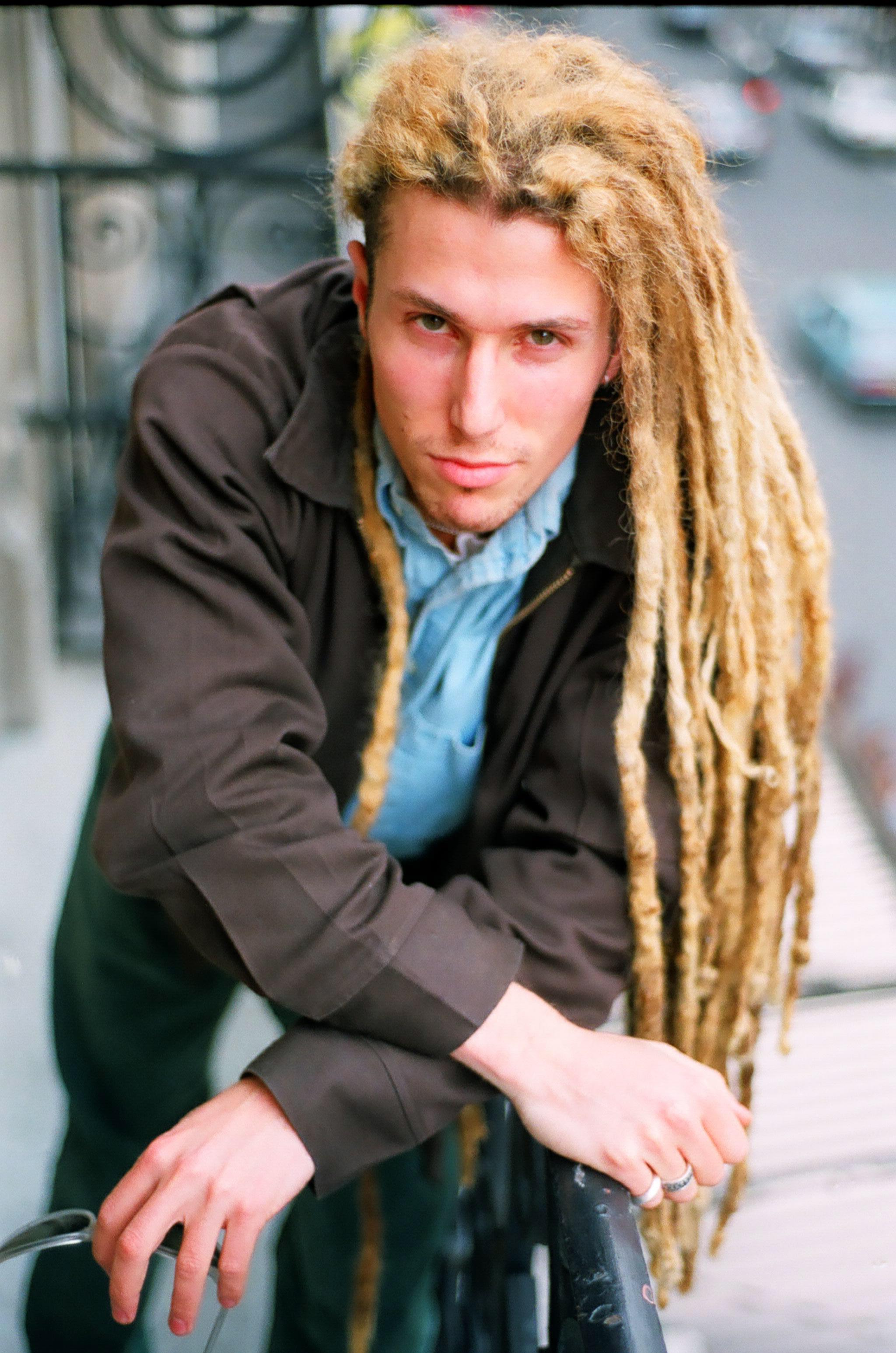 Josh Wink (US), balcon de Radio FG, Paris, 1995 Olivier Degorce - Plastic Dreams - Headbangers Publishing