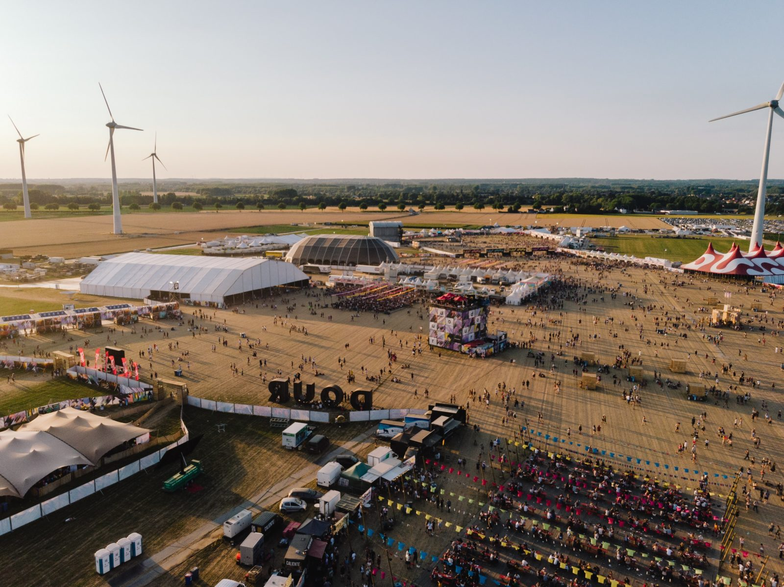 Dour-2018-Drone-©-Mathieu-Drouet-2-DJI_0690-1600x1198