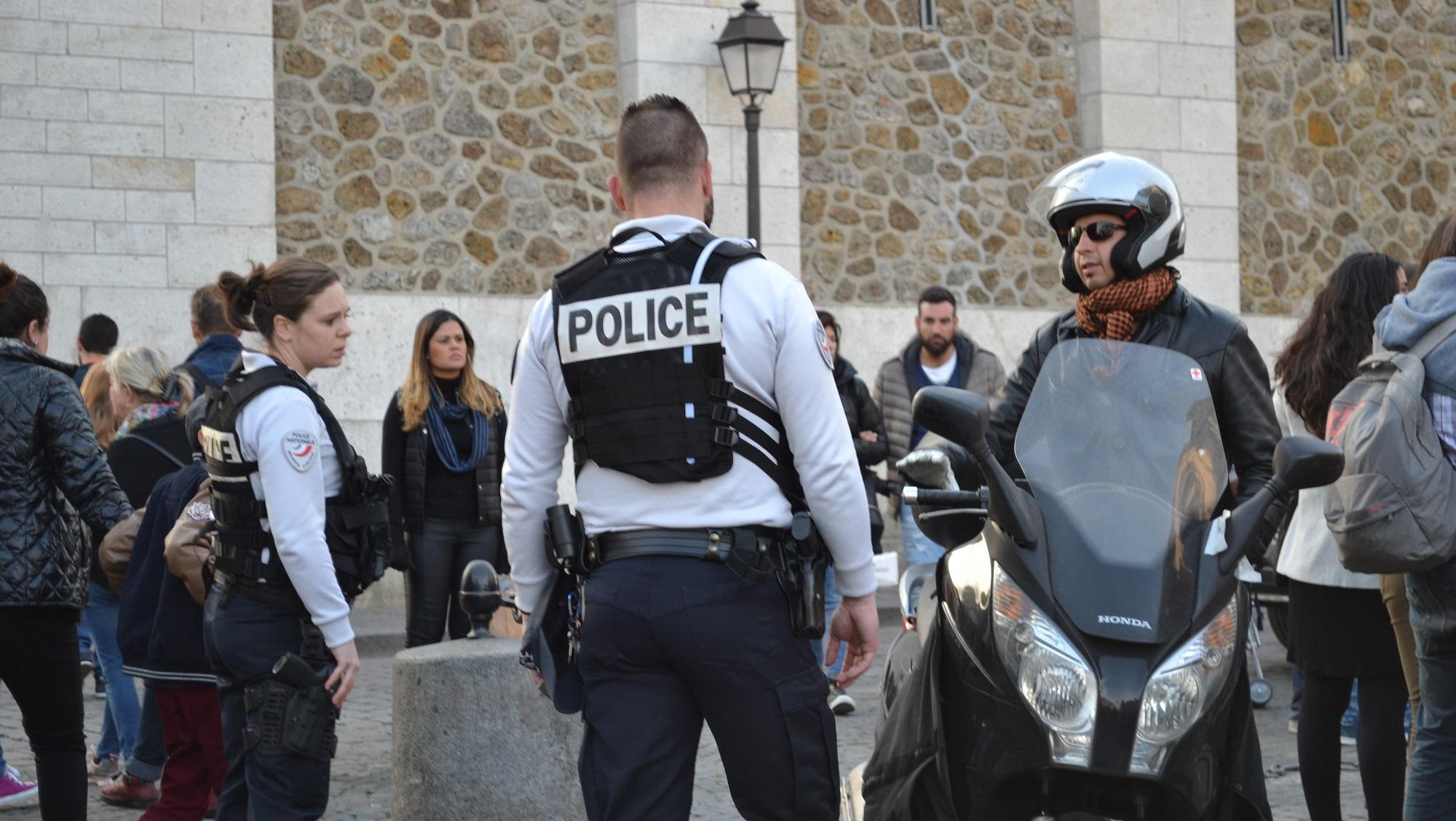 Paris_-_Police_française_-2